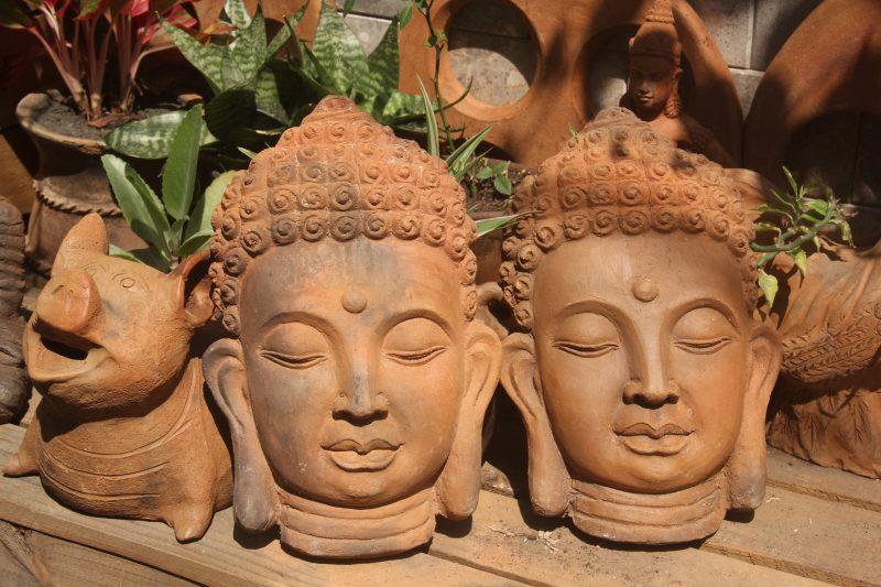 Tượng Phật treo tường